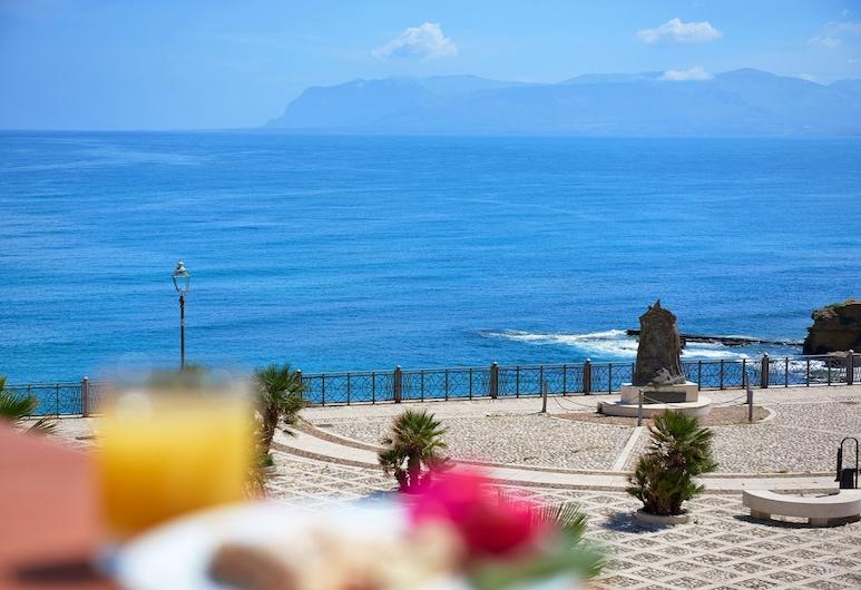 Hotel Al Madarig, Castellammare del Golfo, Widok z hotelu