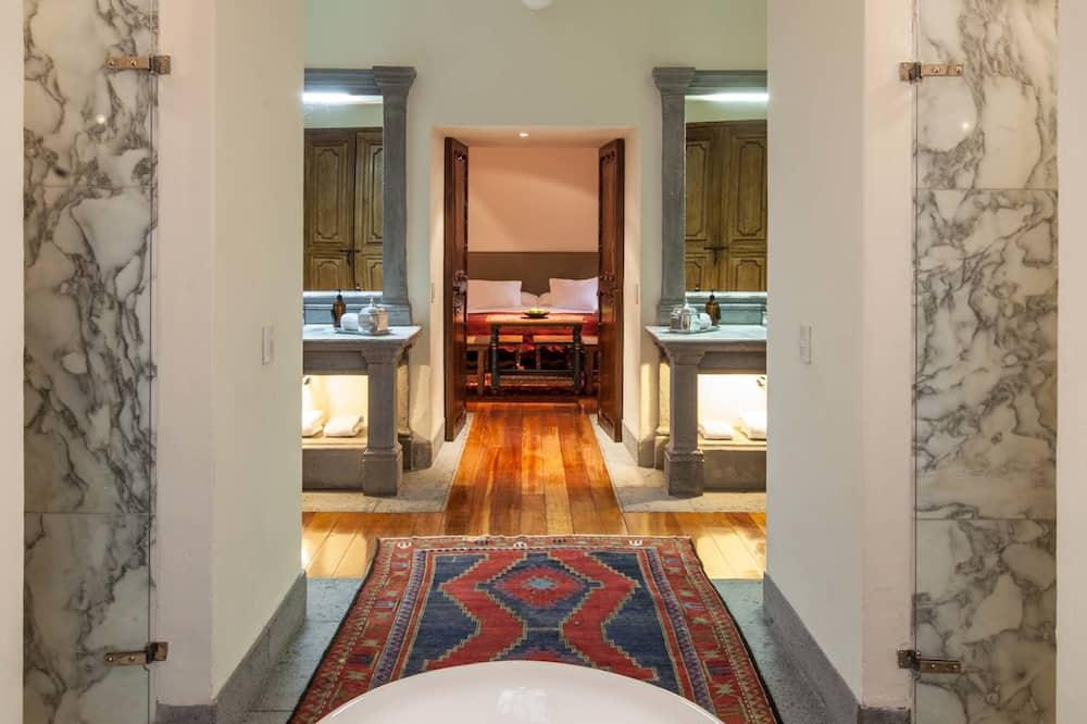Suite, rez-de-chaussée - Salle de bain