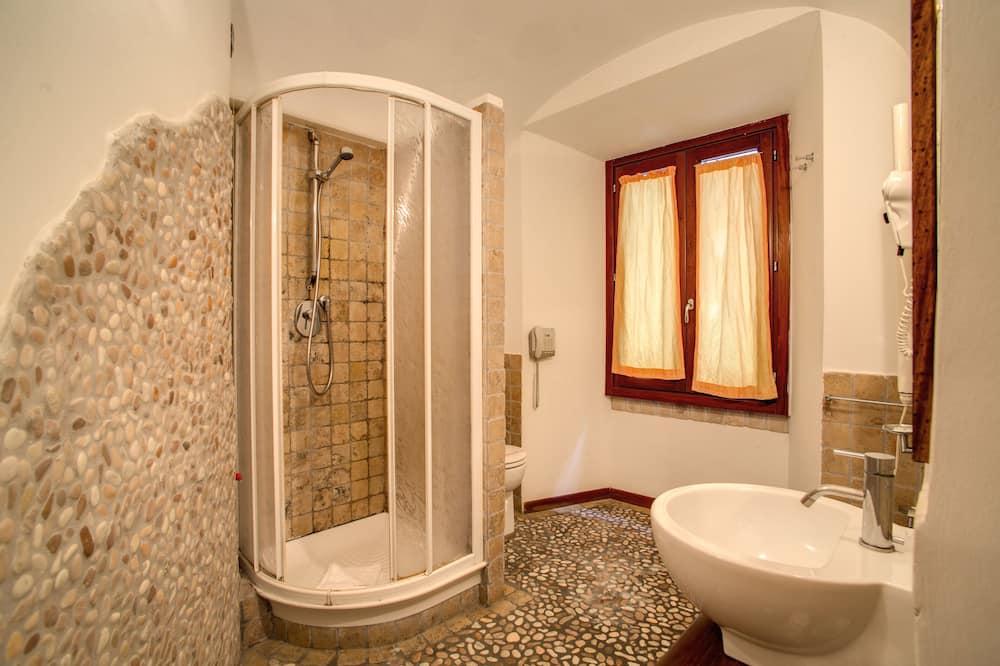 Superior Room, City View - Bathroom