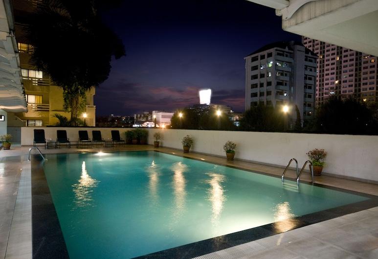 カンタリー ハウス ホテル & サービスド アパートメンツ, バンコク, 屋外プール