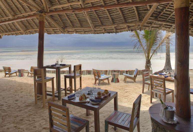 Bluebay Beach Resort And Spa, Kiwengwa, Obiekty restauracyjne na zewnątrz