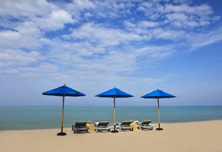 皇家邦薩海灘度假村, 塔庫巴, 海灘