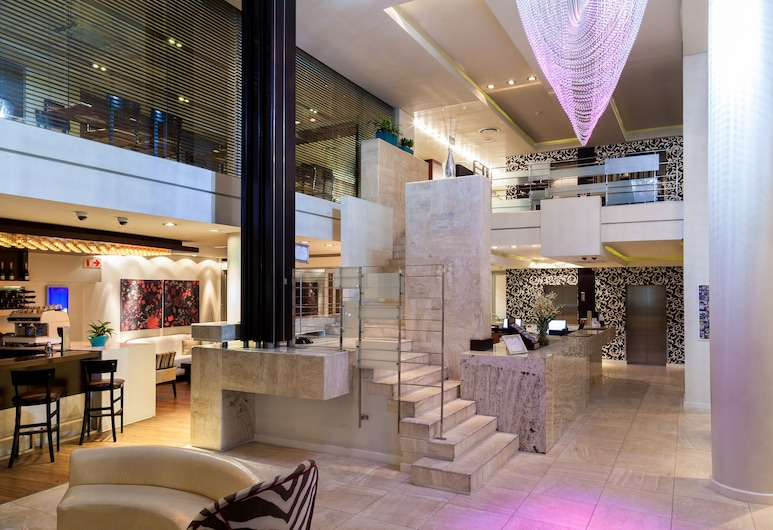 Colosseum Luxury Hotel, Cape Town, Lobby