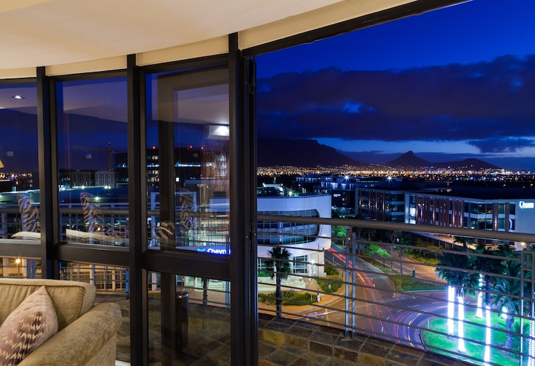 Colosseum Luxury Hotel, Cape Town, Presidential Penthouse, 2 Bedrooms (10), Balcony