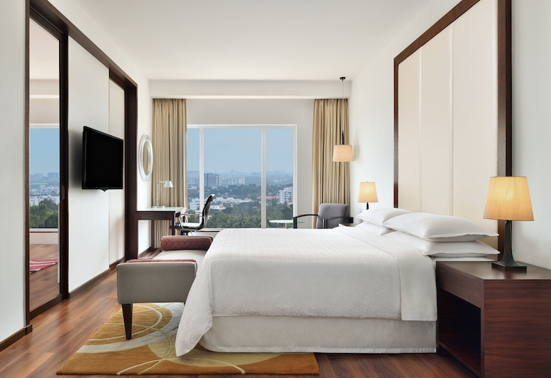 Four Points by Sheraton Bengaluru, Whitefield, Bengaluru, Executive Suite, 1 King Bed, City View, Corner, Guest Room
