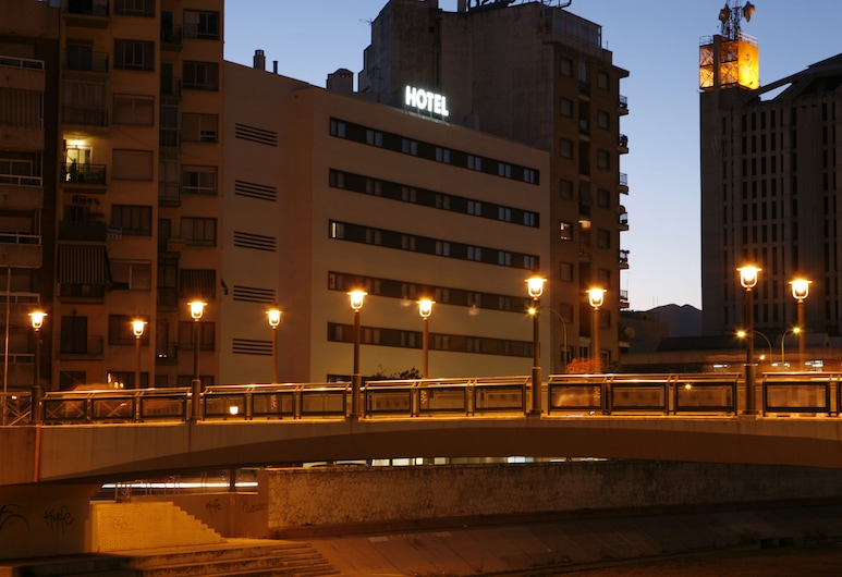 Hotel Guadalmedina, Málaga, Hotel Front – Evening/Night