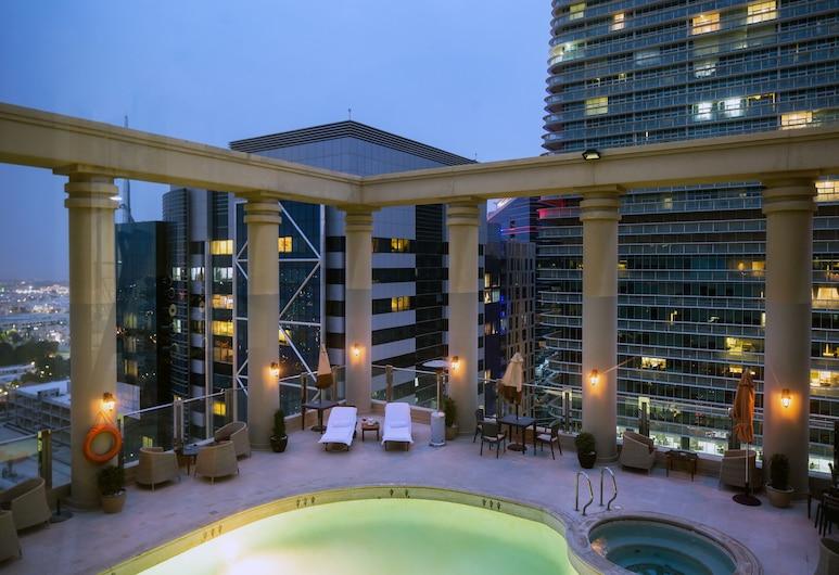 歐力克斯酒店, 阿布達比, 天台泳池