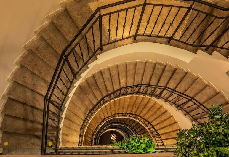EA Hotel Sonata, Praga, Escaleras