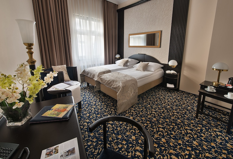 EA Hotel Royal Esprit, Prague, Standard Double or Twin Room, Guest Room