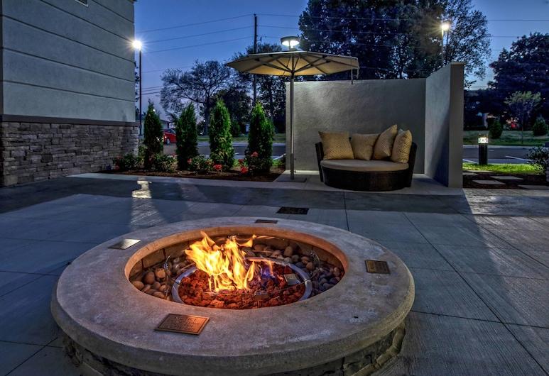 Residence Inn by Marriott Nashville at Opryland, Nashville, Teres/Laman Dalam