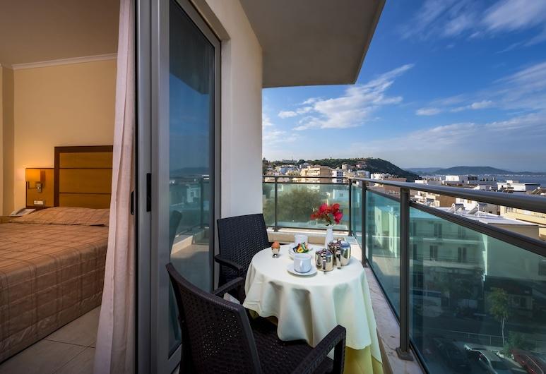 Manousos City Hotel, Rodosz, Standard szoba két külön ággyal, Erkély