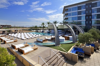 Enter your dates to get the Scottsdale hotel deal