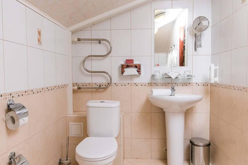 Standaard kamer, 1 twee- of 2 eenpersoonsbedden (Attic) - Badkamer