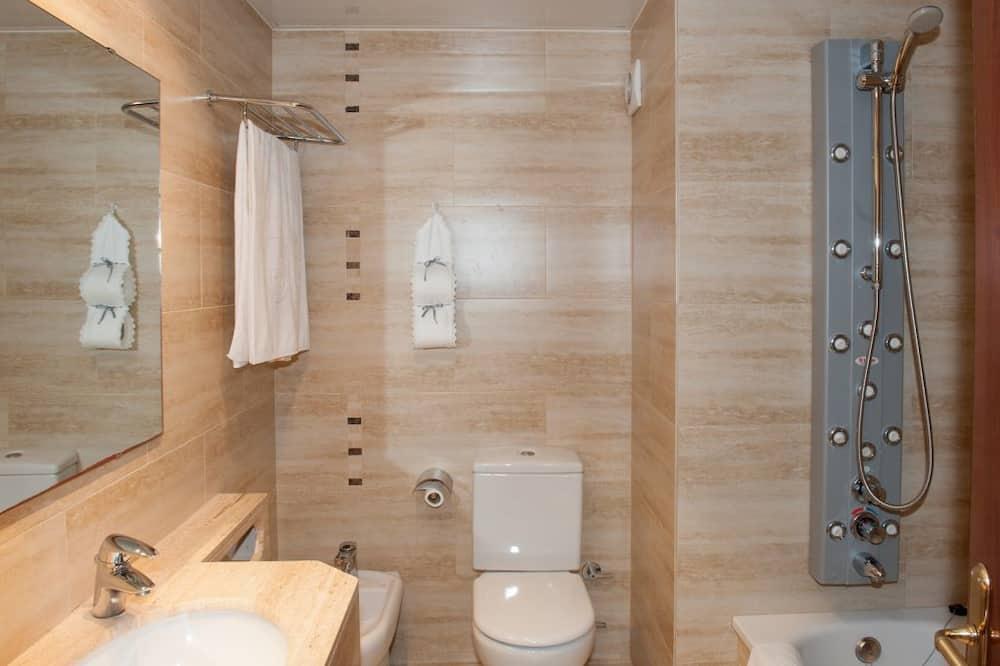 Superior Double Room, Balcony, Sea View - Bathroom