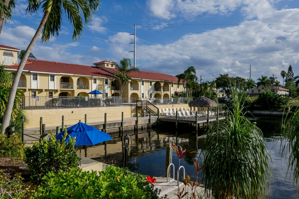 Casa Loma Motel on the Waterfront (Cape Coral, Florida) : Hoteles en ...