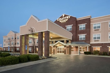Picture of Country Inn & Suites by Radisson, Kansas City at Village West, KS in Kansas City