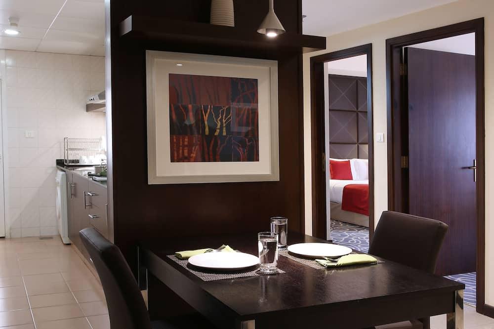 Grand Suite 2 Bedrooms Apartment - Servicio de comidas en la habitación