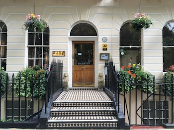Picture of George Hotel in London