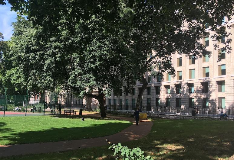 喬治酒店, 倫敦, 花園