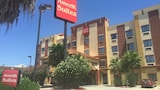Choose This Business Hotel in Laredo -  - Online Room Reservations