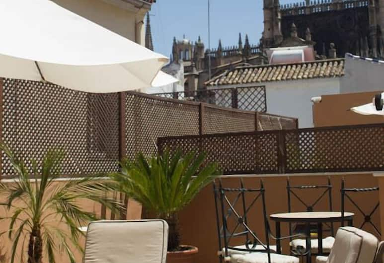 Life Apartments Giralda Suites, Sevilla, Vaade hoonest