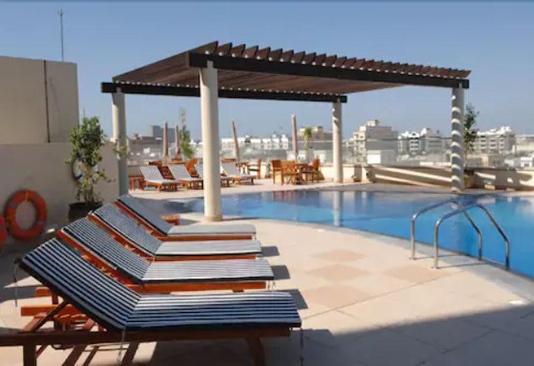Star Metro Deira Hotel Apartments, Dubai, Outdoor Pool
