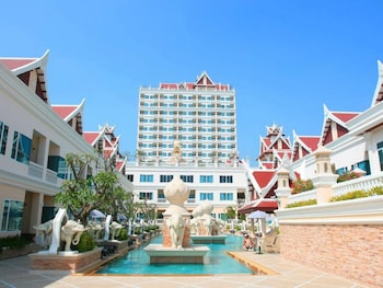 Picture of Grand Pacific Sovereign Resort & Spa in Cha-am