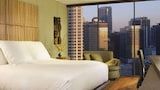 Choose This Spa Hotel in Chicago - Online Room Bookings