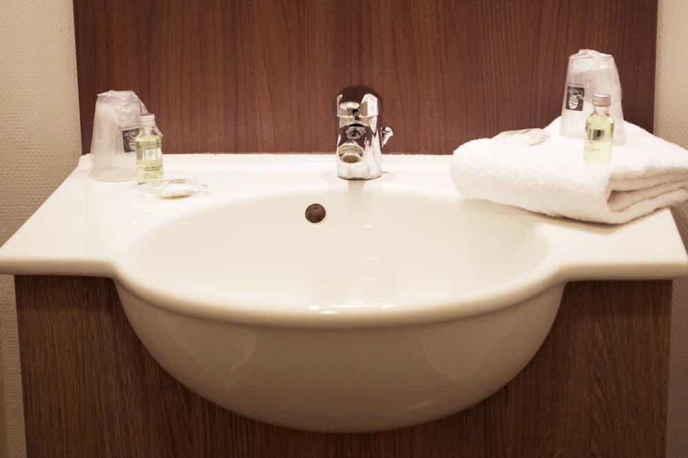Štúdio, 1 dvojlôžko - Umývadlo v kúpeľni