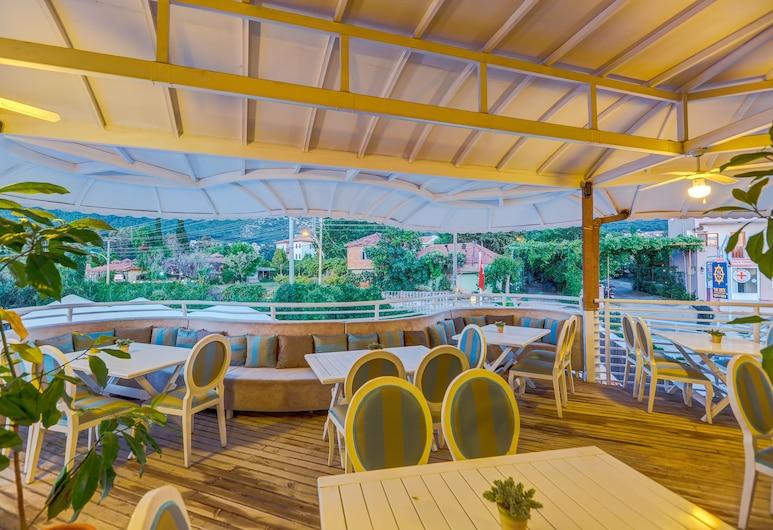 Monta Verde Hotel and Villas, Фетхіє, Бар готелю