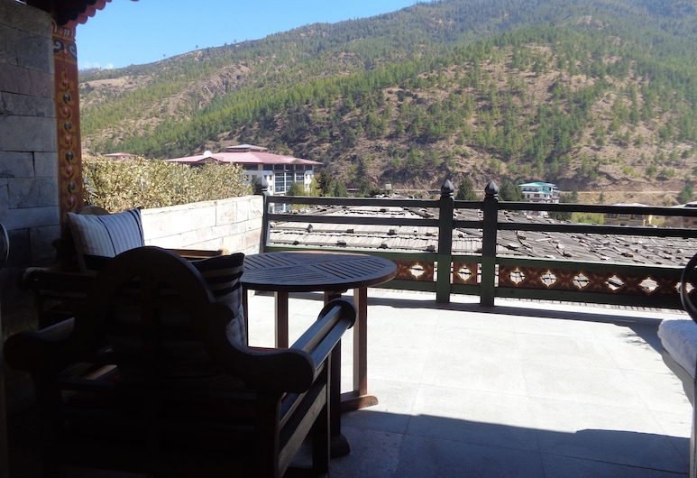 Taj Tashi, Thimphu, Deluxe Suite, 1 Bedroom, Mountain View, Guest Room