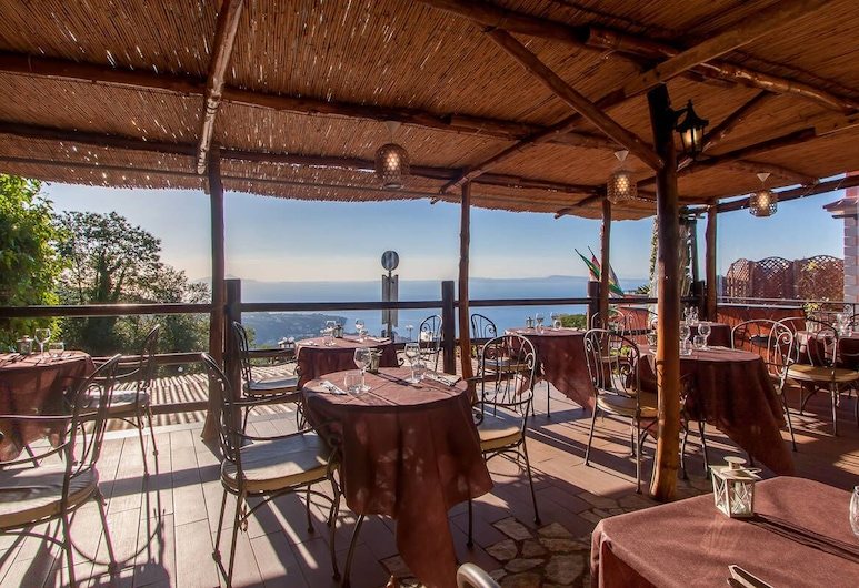 Hotel Prestige, Sorrento, Outdoor Dining