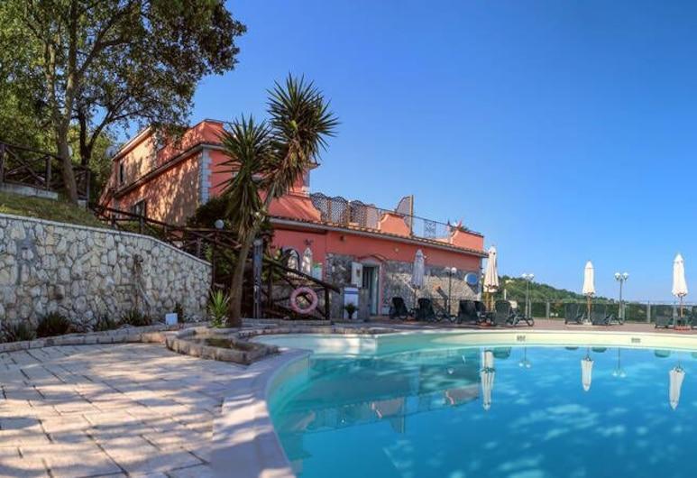 威名飯店, 索倫托, 室外游泳池