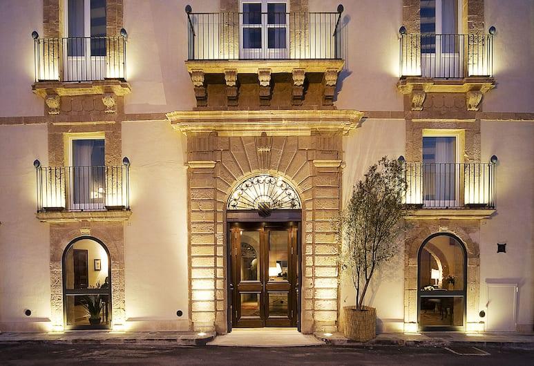 Algila' Ortigia Charme Hotel, Syracuse, Hotel Front – Evening/Night