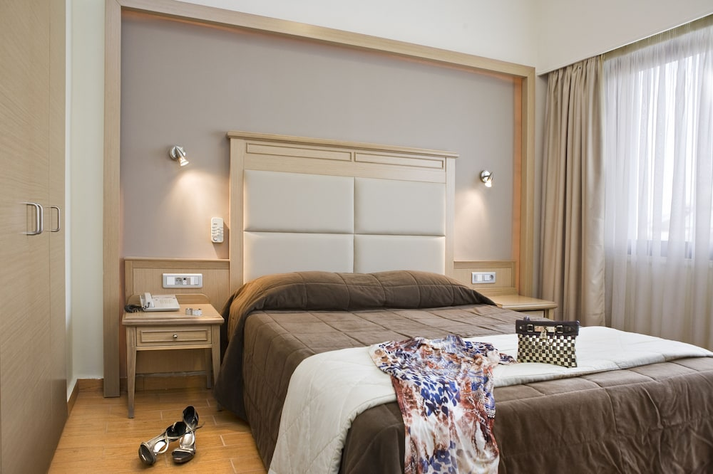 Parnon Hotel, Athens