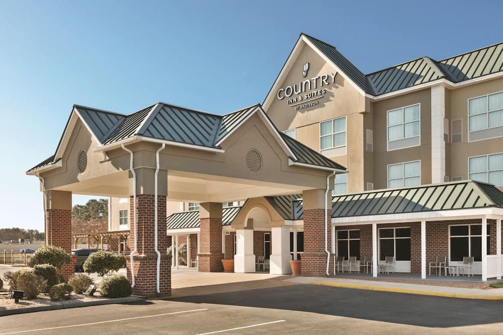 Country Inn & Suites by Radisson, Petersburg, VA
