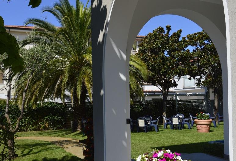 Hotel Fortunella, Камайоре, Сад