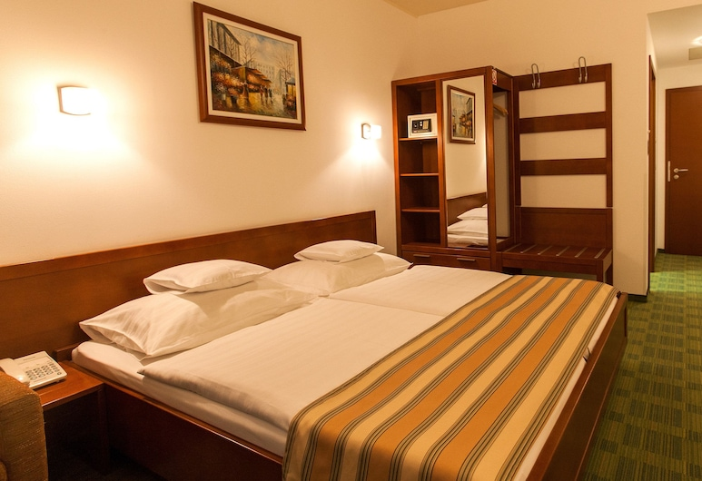 Best Western Hotel Stella, Zagreb, Comfort Room, 1 King Bed, Non Smoking, Guest Room