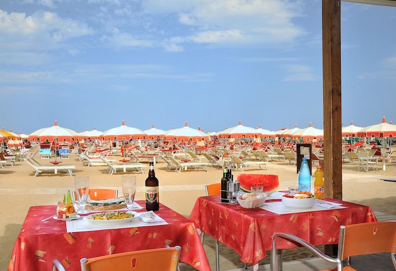 Hotel Capri, Rimini, Outdoor Dining