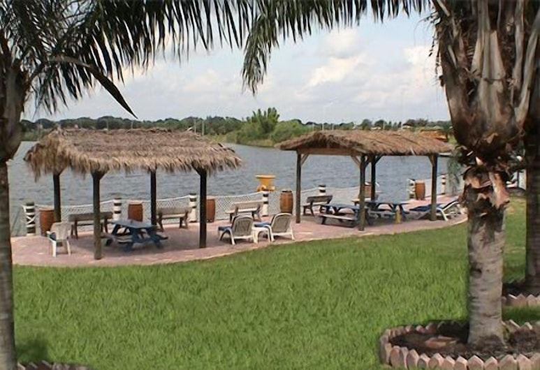 Lake Roy Beach Inn, Winter Haven, Property Grounds