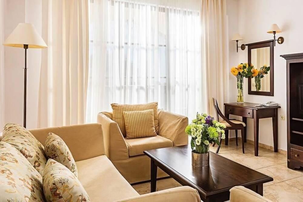 Standartinio tipo apartamentai, 2 miegamieji - Svečių kambarys