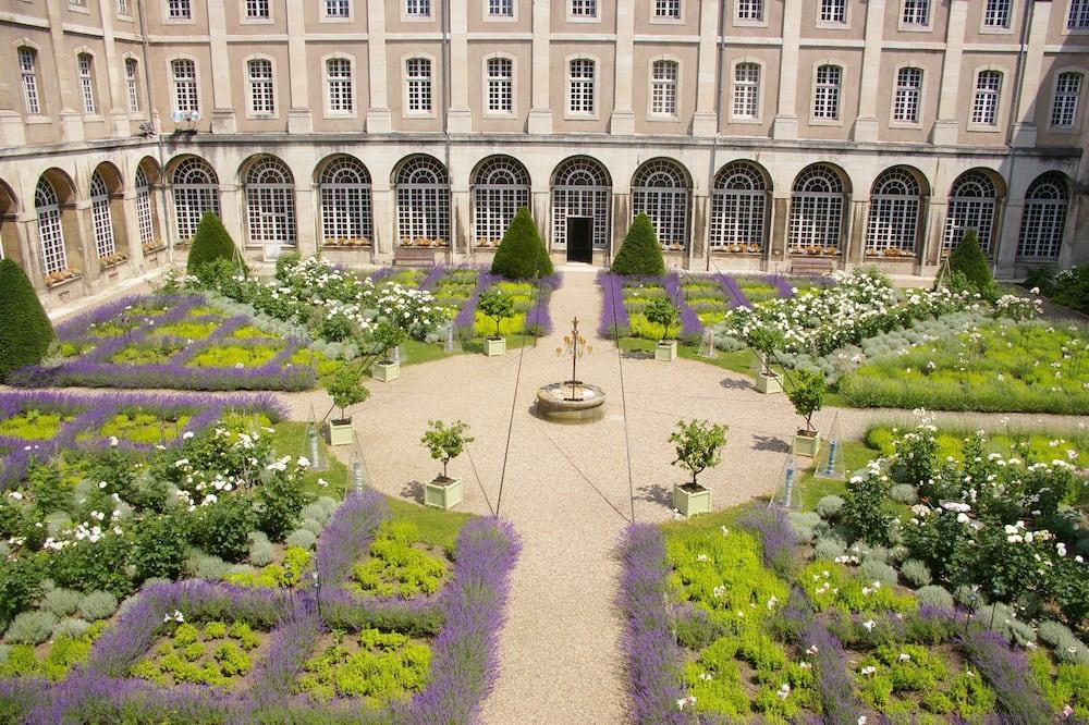 Comfort-Zimmer - Blick auf den Garten