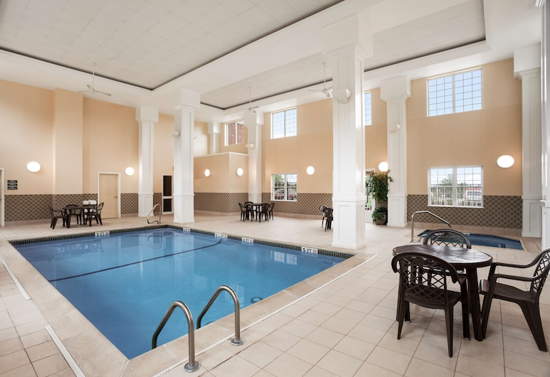 Country Inn & Suites by Radisson, Manchester Airport, NH, Bedford, Innendørsbasseng