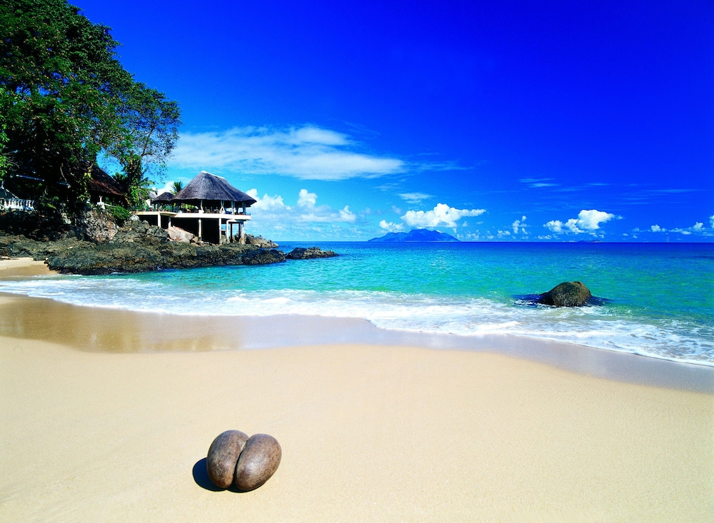 Sunset Beach Hotel Mahe Island