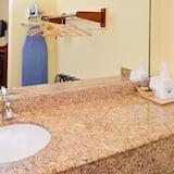 Sviitti, 2 keskisuurta parisänkyä - Kylpyhuone