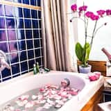 Deluxe Room, Jetted Tub, Mountain View - Private spa tub