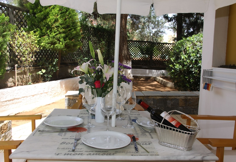 Creta Solaris Holliday Apartments, Hersonissos, Tempat Makan Luar