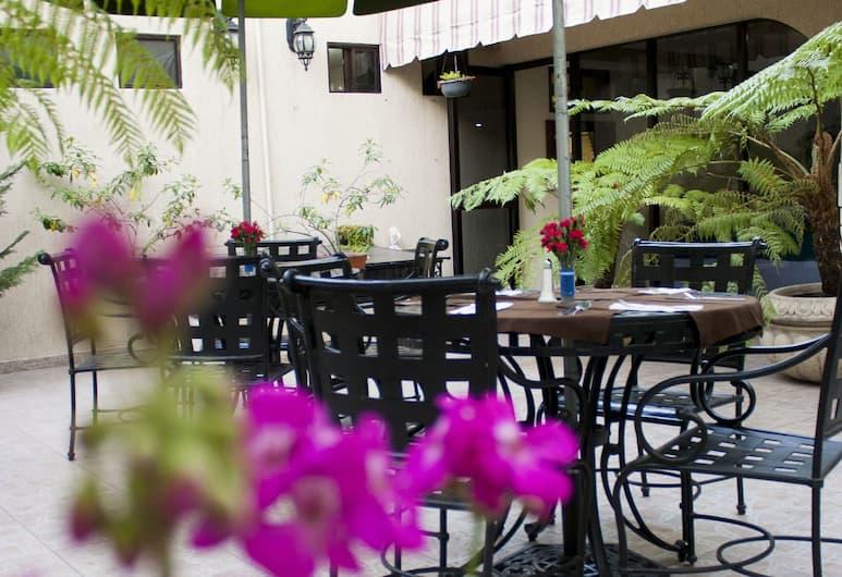 Hotel Casino Plaza, Guadalajara, Outdoor Dining