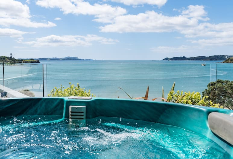 Blue Pacific Quality Apartments, Paihia, Luxury Room, 2 Bedrooms, Hot Tub, Ocean View