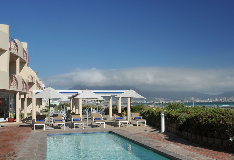 Cape Town Beachfront Apartments At Leisure Bay, Fokváros, Medence